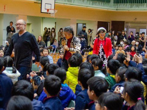 大飯郡 本郷小学校にてトーク&ライブをさせていただきました♪
